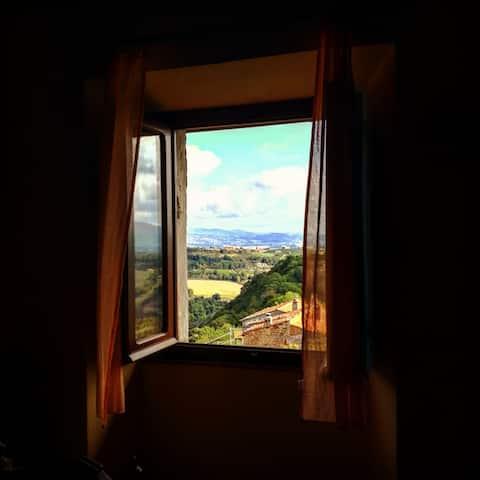 Sermugnanon linna lähellä Orvietoa ja Civitaa