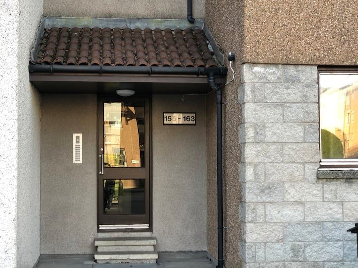 Aberdeen Garthdee, 2 Bedroom Apartment - Perfect!