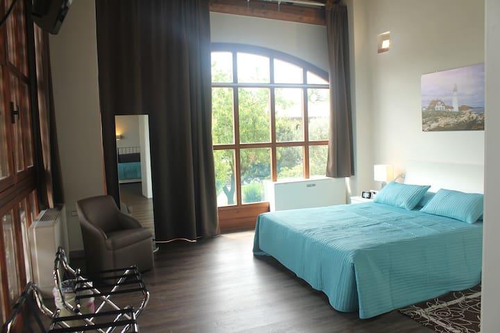 Cozy bright apartment in historical como hamlet
