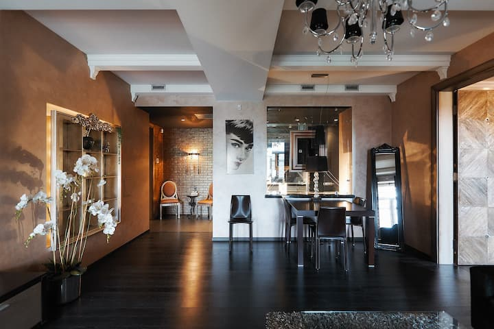 SO Fashionable apartment in the heart of Minsk