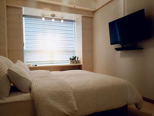쾌적하고 편안한 잠자리를 위해, 매일매일 깨끗하고 청결하게 관리하고 있어요^^
