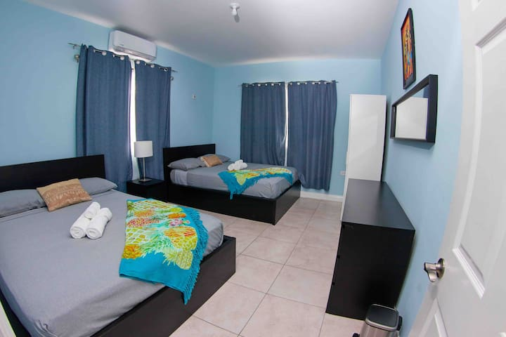 2nd bedroom with two queen size beds and AC