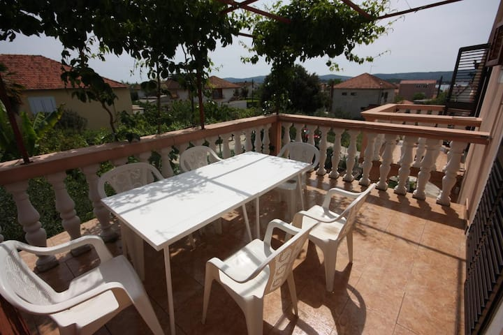 One bedroom apartment with terrace and sea view Turanj, Biograd (A-6197-b)