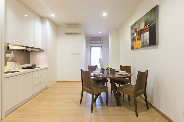 Family Suites nearby Gurney Drive by LivingComfort