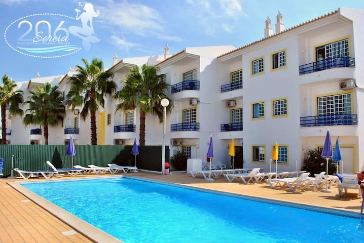 Albufeira 1 Bedroom Apart s/pool, great location