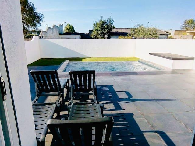 Villa 200m2, 10 mn de Porto  , 150m de la plage