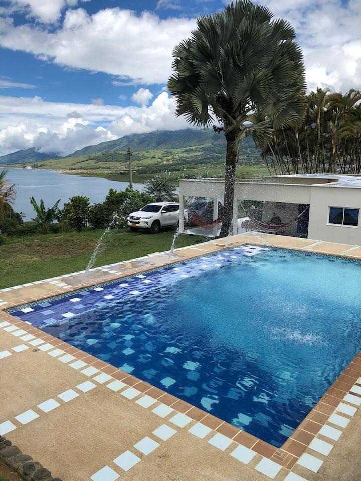 Casa finca con vista al lago calima, Montecarlos