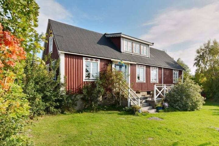 Charming house in Hällevik