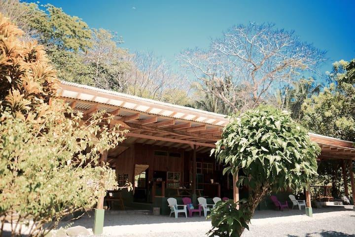 Casa Marea Alta Ocean Room & Kitchen w/breakfast - Punta Banco - Naturstuga