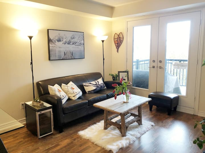 Rustic-Chic Condo in Collingwood/Blue Mountain