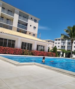 Apartamento 2 quartos, piscina,  praia.
