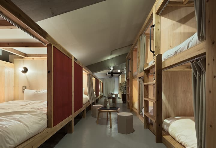 Female-only Dormitory Room No.6
