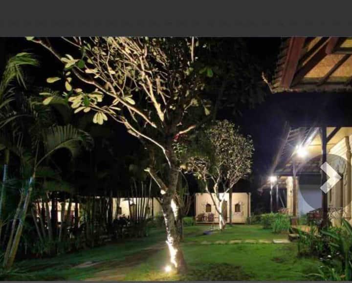 Tradisional bali room 1@ bingin beach area