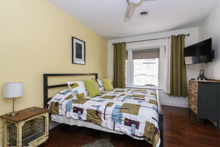 House 5863- Room 3
