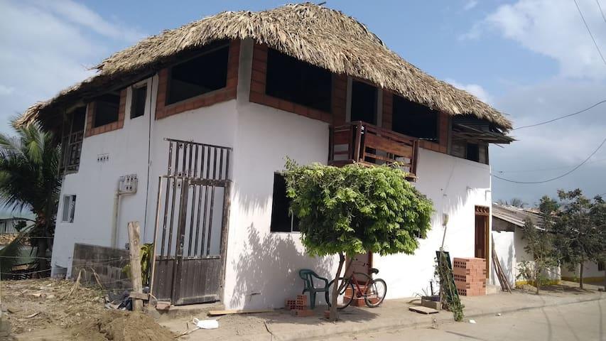 Habitación arboletes, negociable 3148846140
