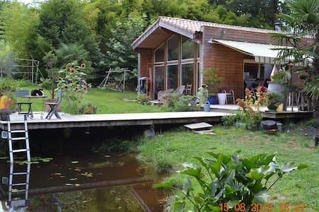 La maison du Lac - Tilh
