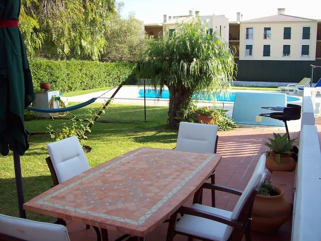 Ferienhaus mit Schwimmpool und Garten - Ferreiras
