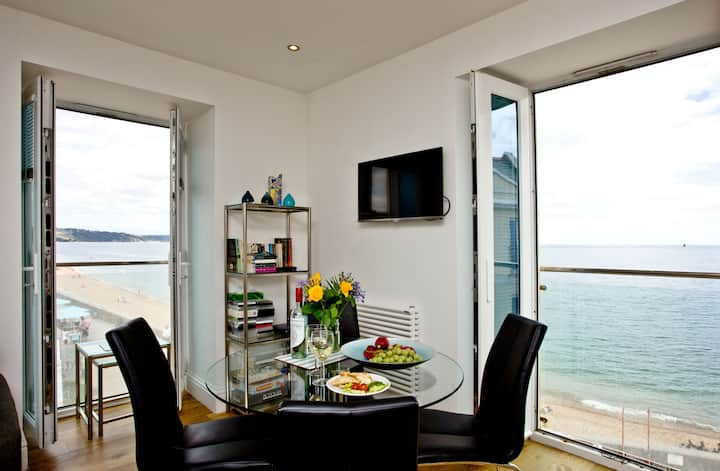 14 At The Beach, Torcross, Stunning Sea Views