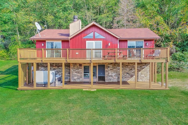 Spacious home w/ a hot tub, pool table, & view of Wisp Ski Resort - Dogs OK!