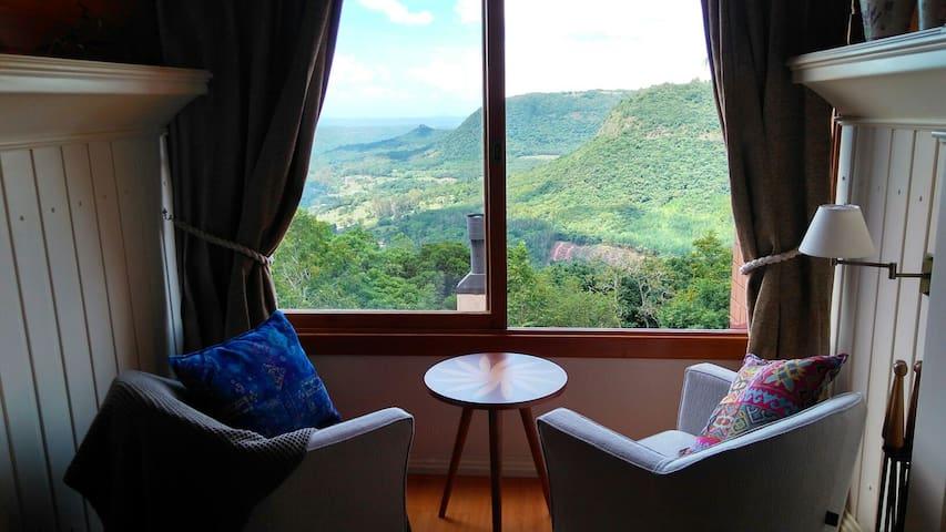 Vista sem igual do Vale do Quilombo - Gramado - Apartamento
