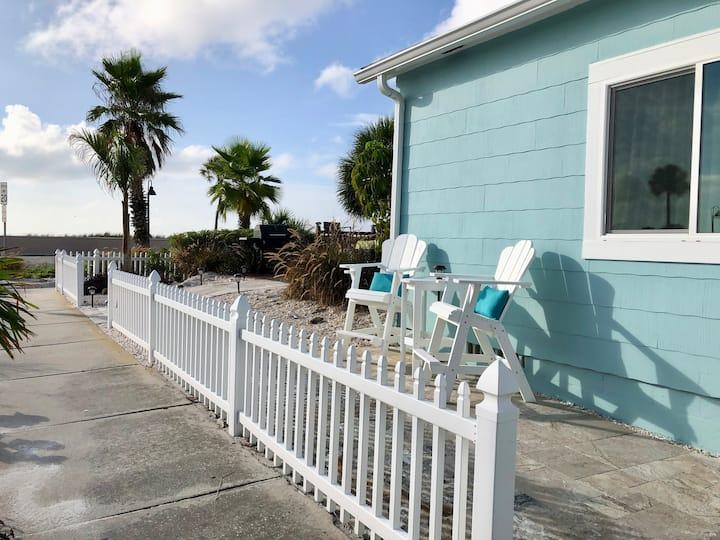 Location- Quaint Beach front House Pass a Grille