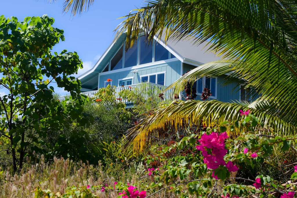 Hale Kukui Ola, the House Full of Light, 3BR 2BA  home in Seaview Estates