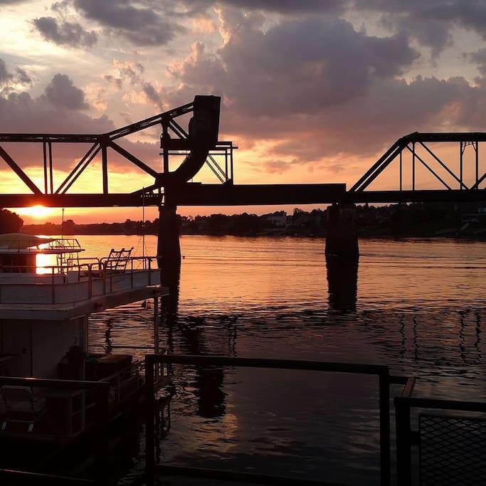 sunset on the Savannah River