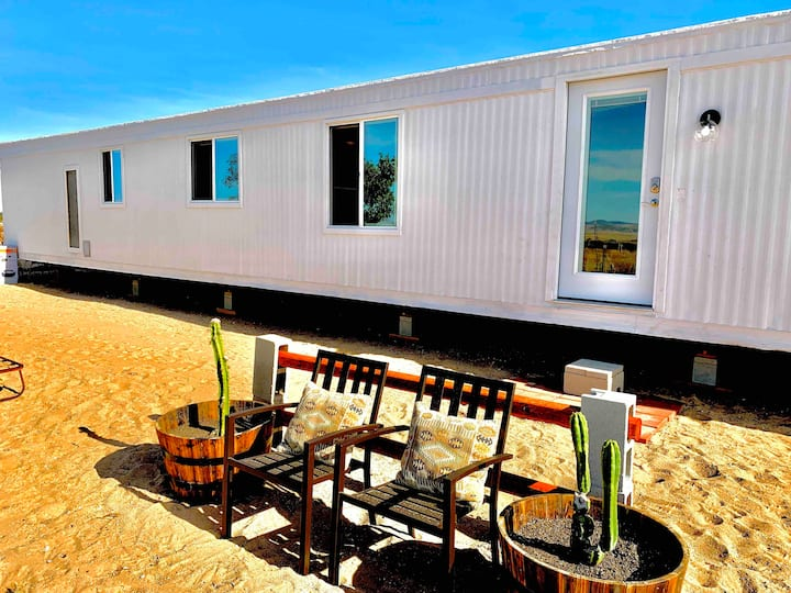 Secluded Getaway - Container Experience Pool & Spa
