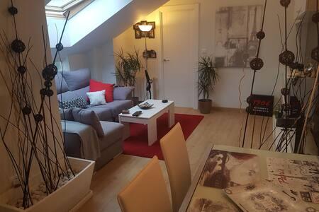 Coqueto ático con terraza