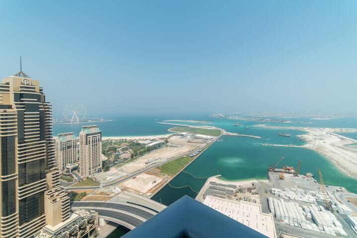Brand new sea view at Damac heights Dubai Marina