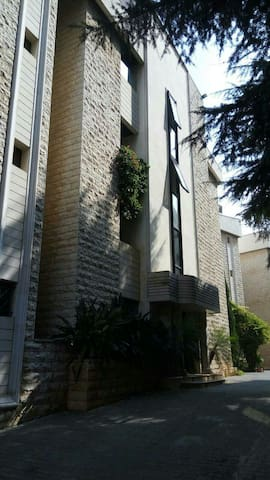 Luxurious Appartment - Beit Meri - Apartmen