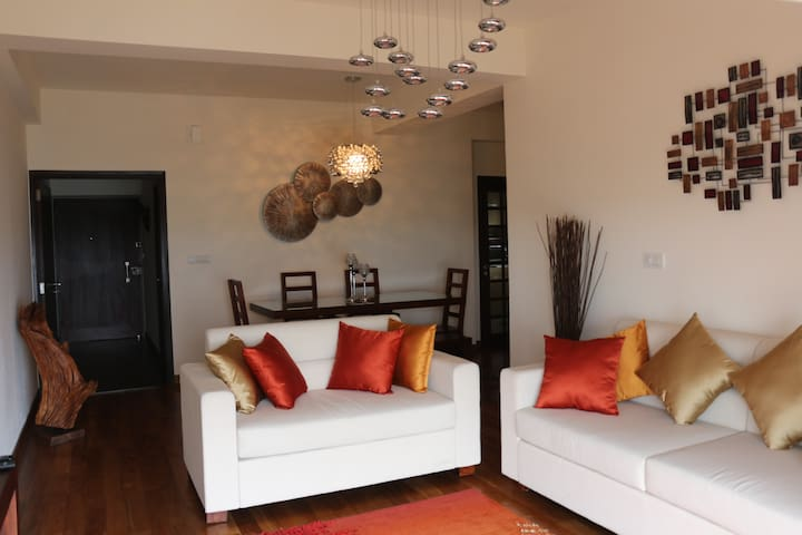 Luxury 3 bedroom Furnished Apartment in Colombo