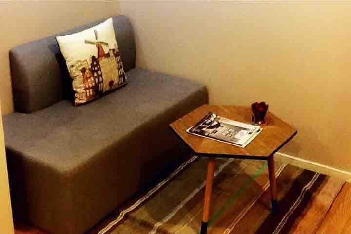 One bedroom Resort style Free Wifi /Electric/ Pool