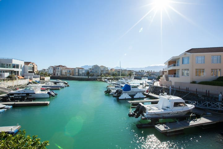 Marina living with an ocean view.