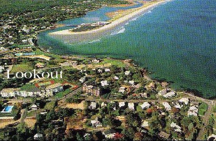 Ogunquit Condo- Best Location-2 min. walk to beach