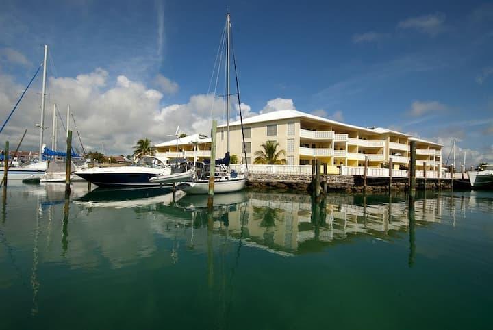 Ocean Reef Yacht Club: 2-Bedrooms, Sleeps 6