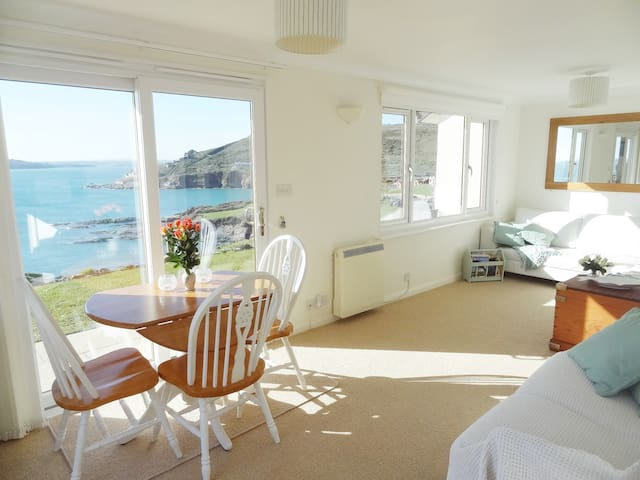 Plymouth, Devon. Bovisand. Quiet, Sea Views. WIFI