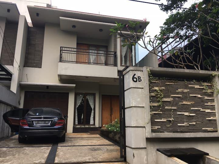 5 BR House fully furnished next to KebunRaya Bogor
