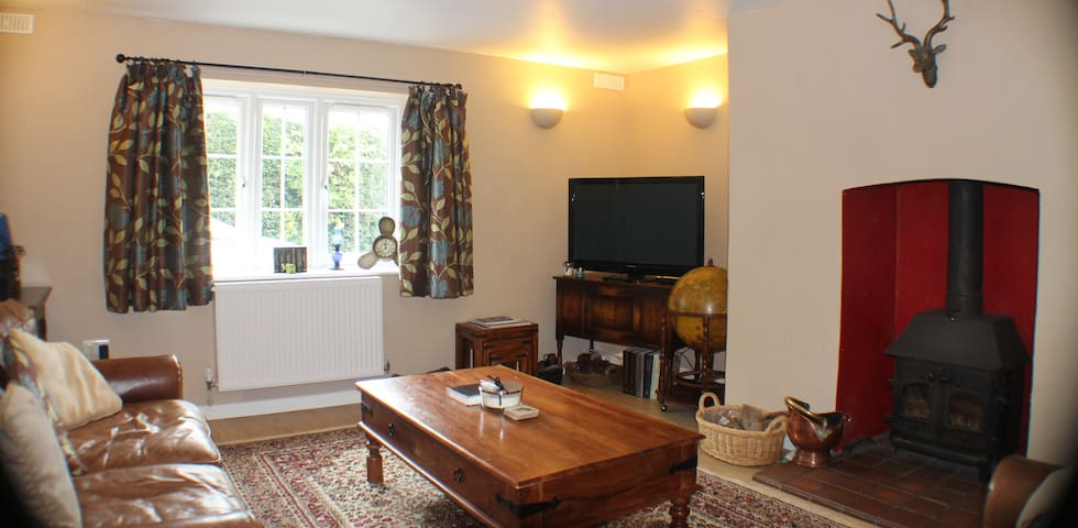 Cosy period cottage in costal Somerset