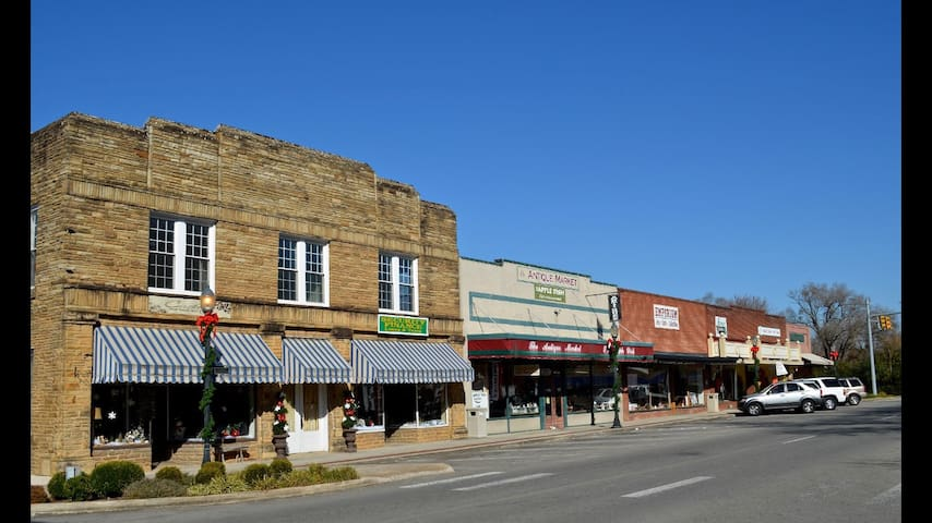 Shops and restaurants on the square.