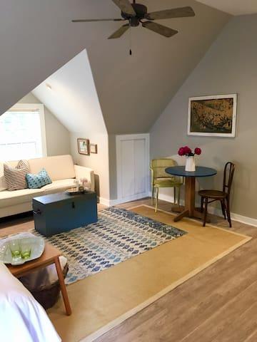 Magnolia Treehouse Guest Suite