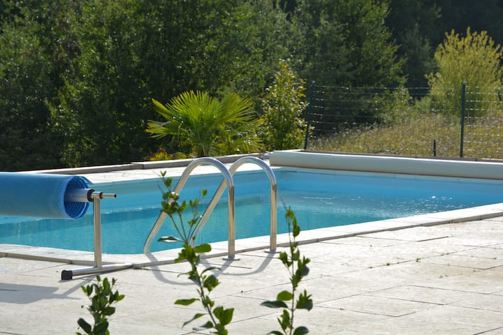 Paradise for all, with private pool, trampoline, table tennis, sports field