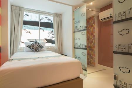 Stylish Single room near Tong lo Station Sukhumwit - Bangkok - Lejlighed