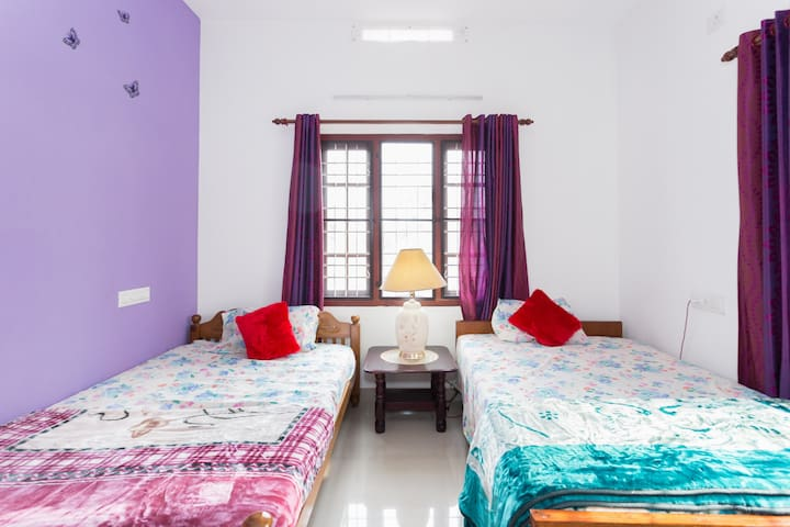 Comfortable and Convenient stay at Kochi - Vypin - Bed & Breakfast