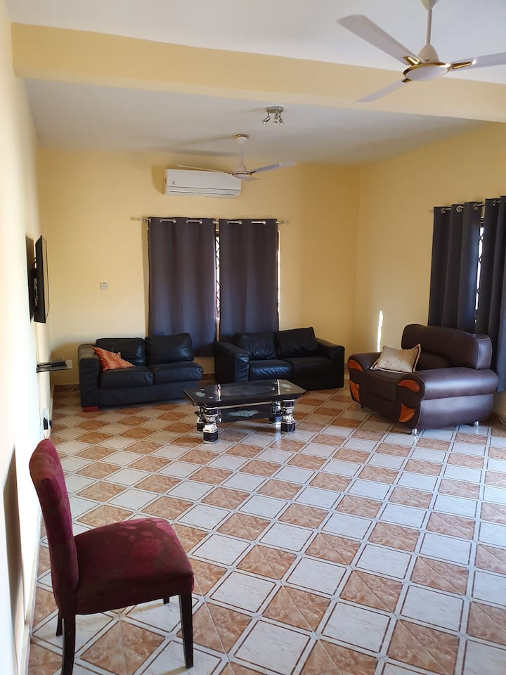 Executive apartment, 2 beds, 3 baths and 3 toilets