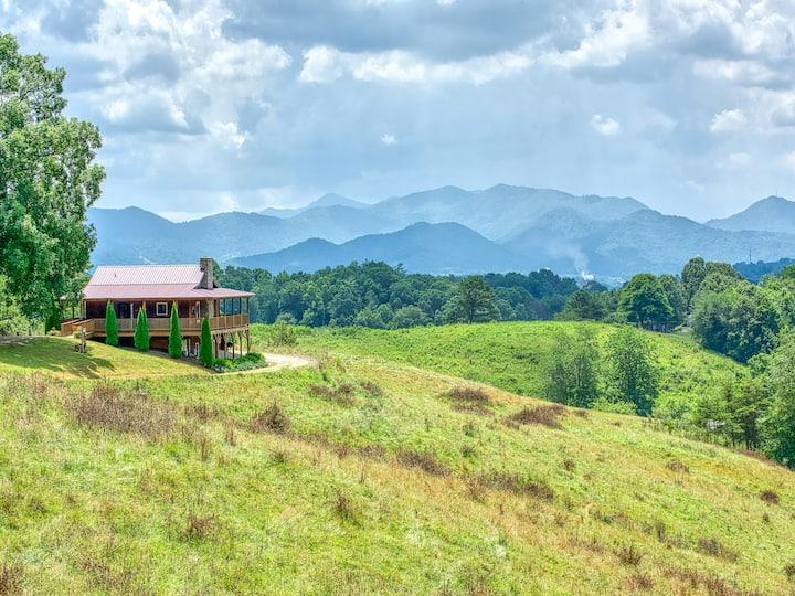 Bohicket Ridge: Close to Asheville w/ great views!