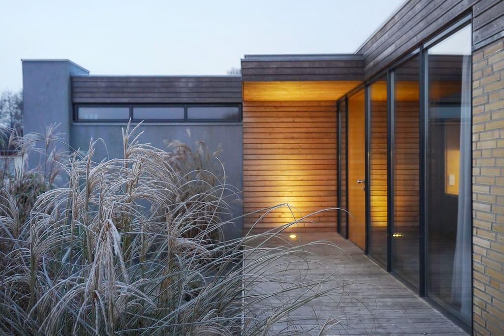 Ap.2 | Eingangsbereich mit Vorgarten