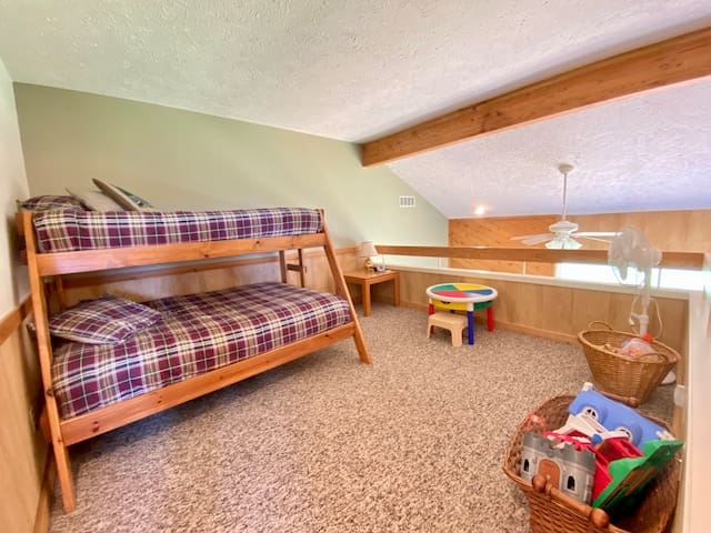 Loft   Full and Twin bunk