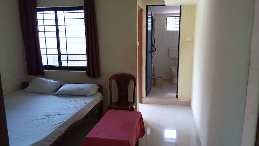 Decent 2 rooms with kitchen in goa - Mandrem - House
