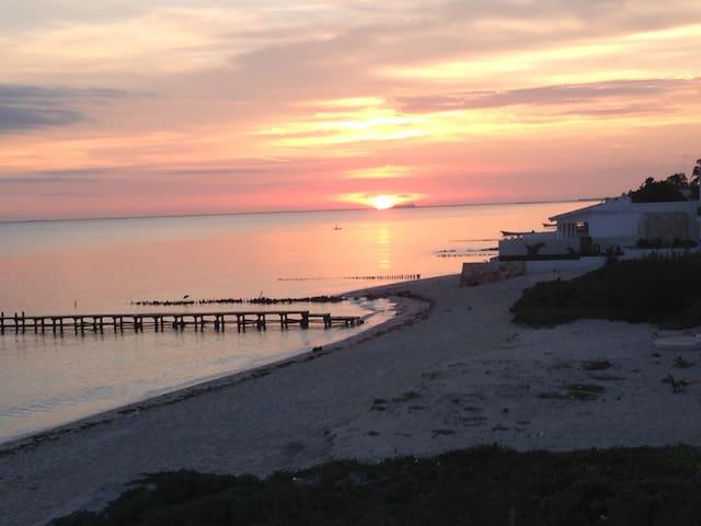 Sunrise of the Progreso Pier
